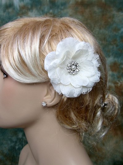 Ivory wedding bridal lace hair flower BVHF001