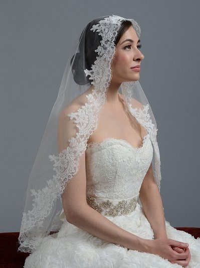 Ivory wedding veil alencon lace V045