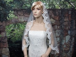 Bridal Mantilla veil elbow alencon lace V040 - white/ivory
