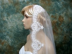Mantilla bridal wedding veil ivory elbow/fingertip alencon lace V034