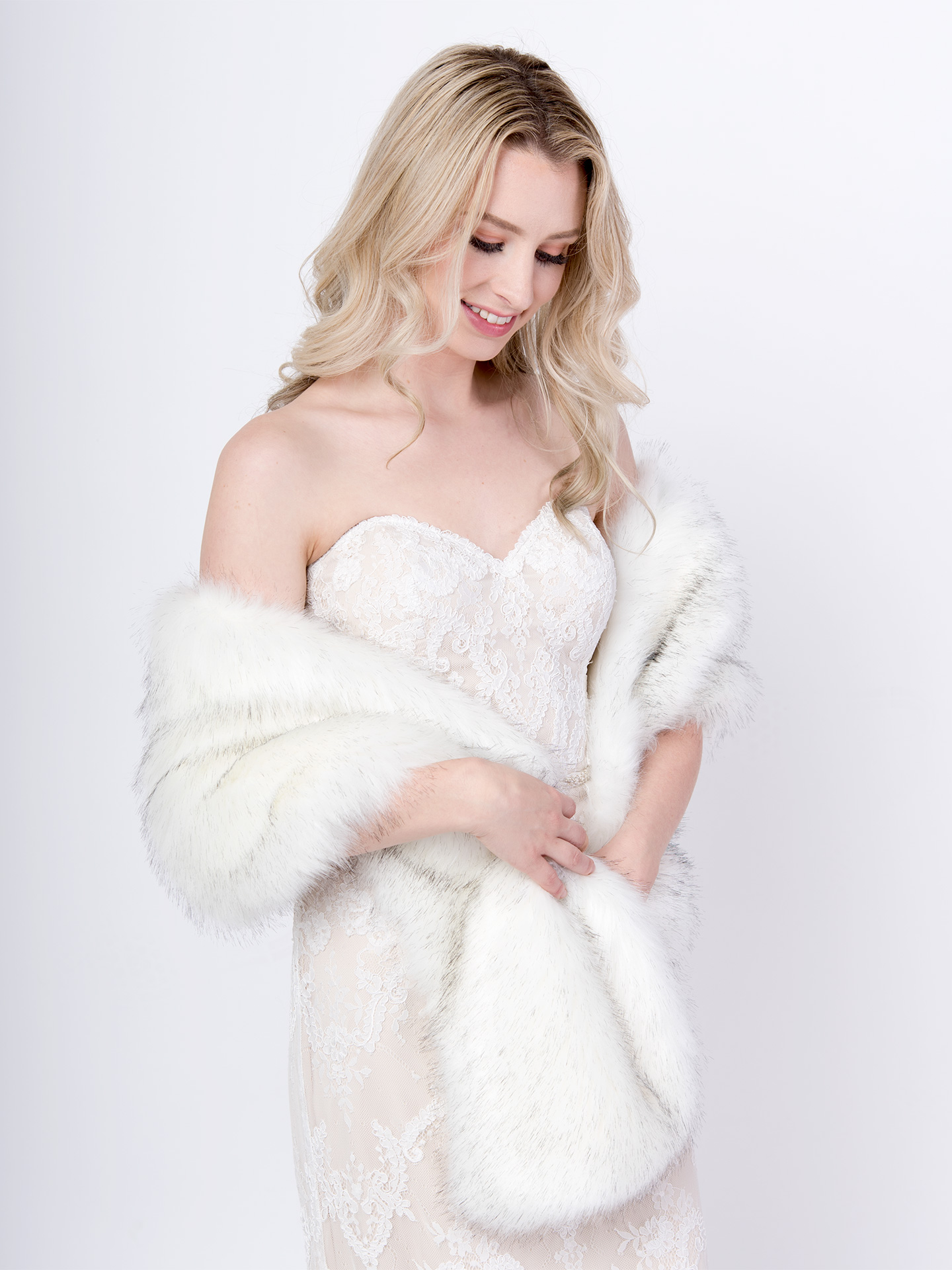 Light ivory faux fur wrap with black tips B005-light-ivory-b-tips