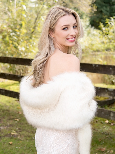 Ivory faux fur wrap with dark gray tips B005-Ivory-b-tips
