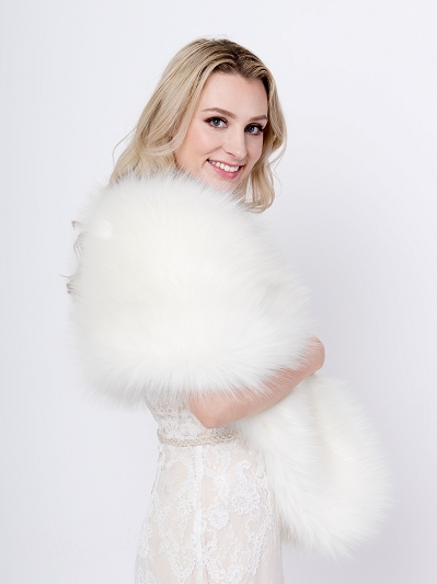 Ivory faux fur wrap B009