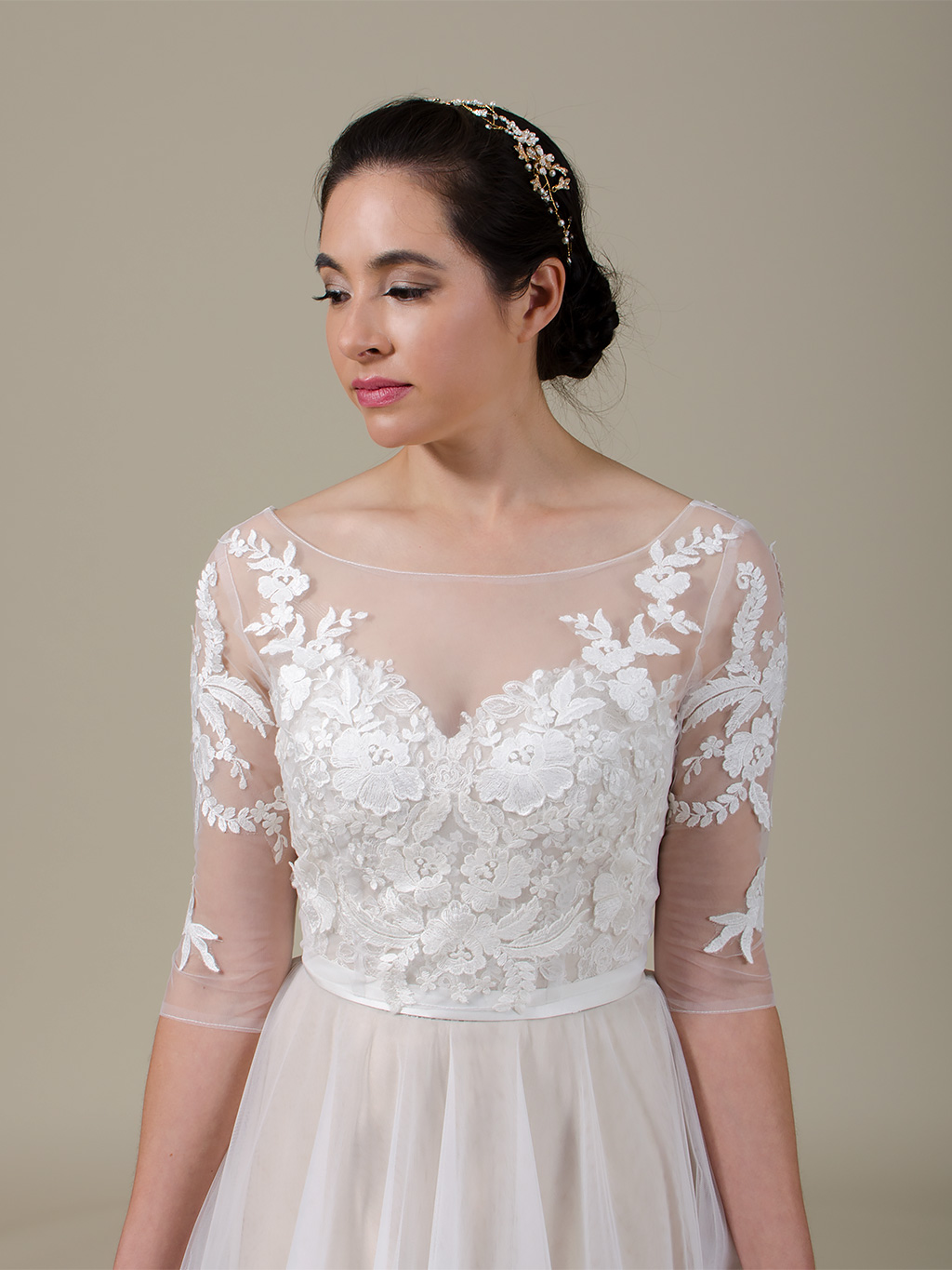 Boat neck lace bolero with V back 3/4 length wedding dress topper WJ039