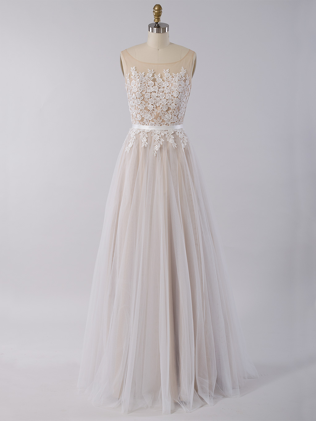 Sleeveless lace wedding dress with tulle skirt 4026