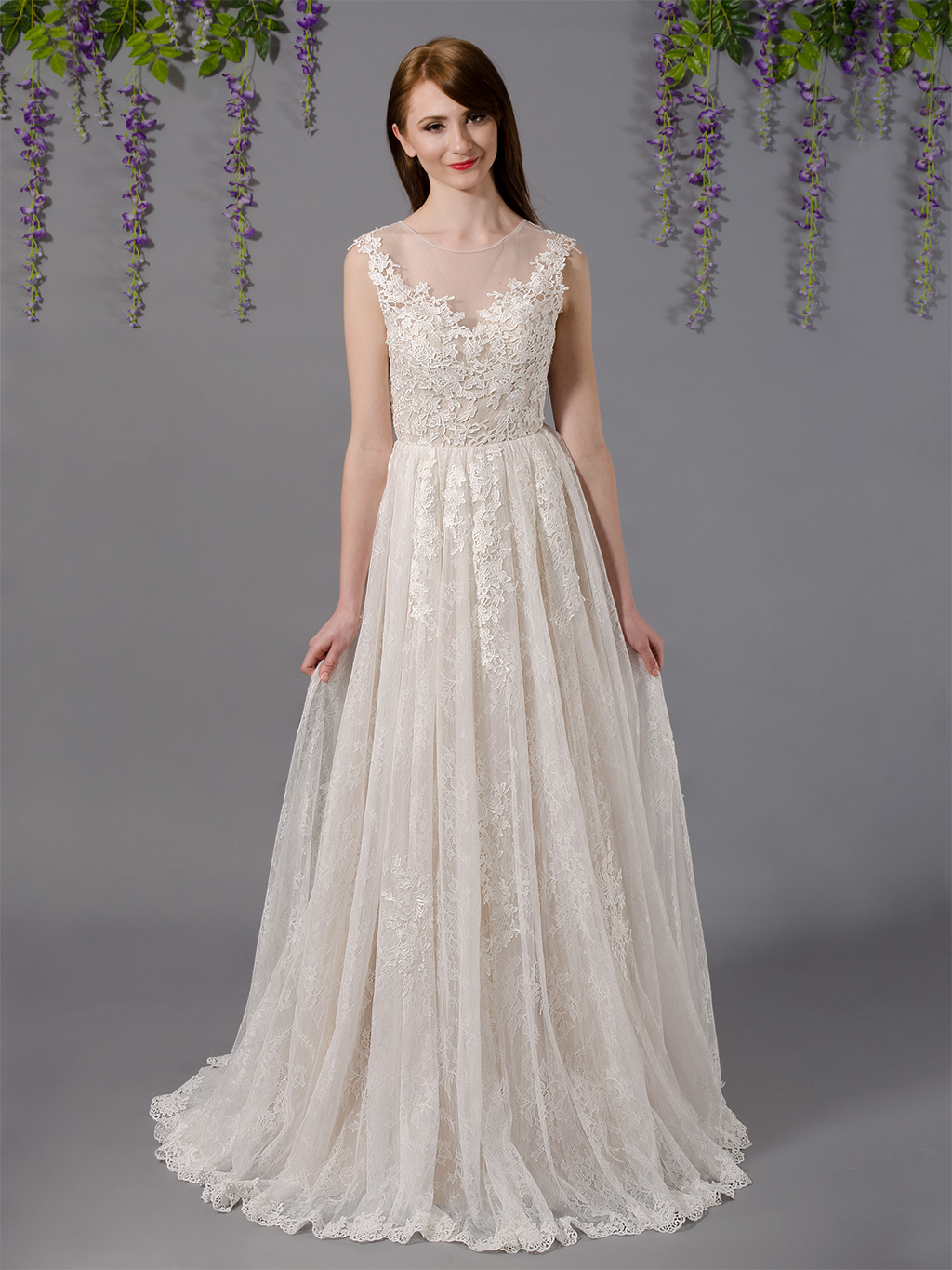 Sleeveless lace wedding dress with tulle skirts 4037