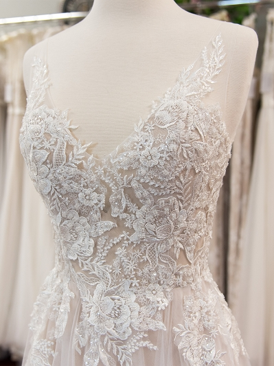 Beaded lace wedding dress 4075