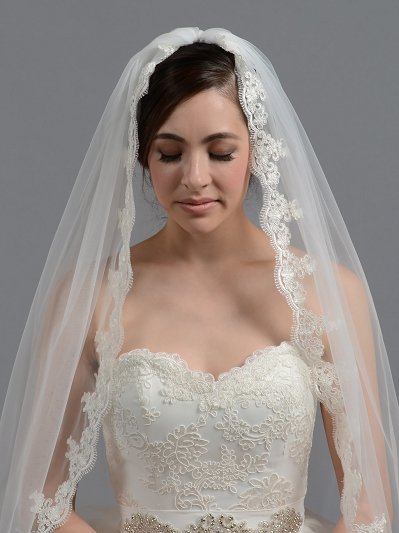 Bridal wedding veil elbow / fingertip alencon lace V036