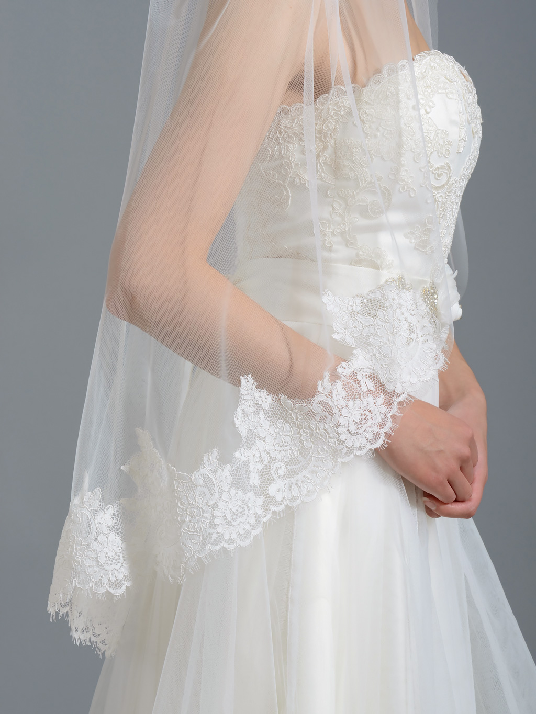 Ivory Elbow Alencon Lace Wedding Veil V038