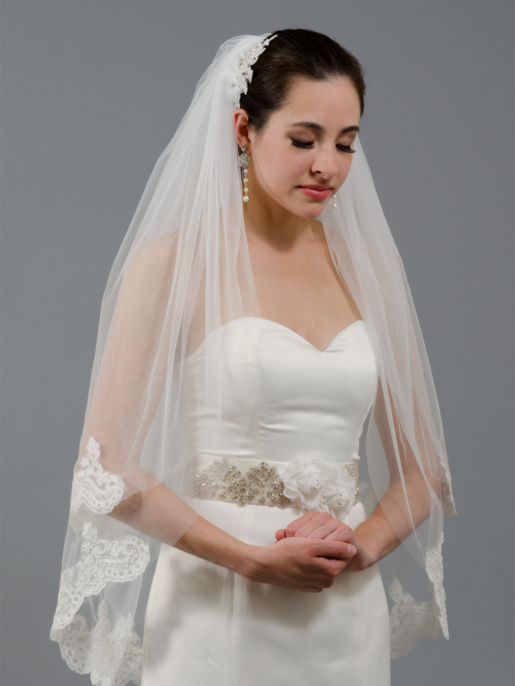 2-tier Ivory Elbow Alencon Lace Wedding Veil V041