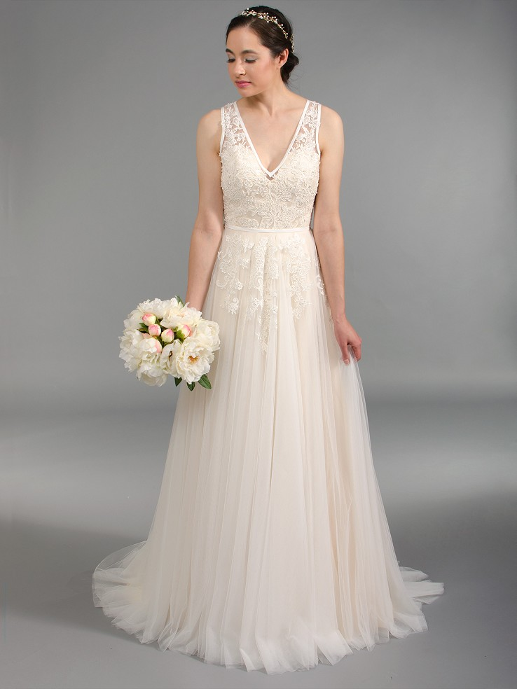 V neck lace wedding dress with tulle skirts 4045