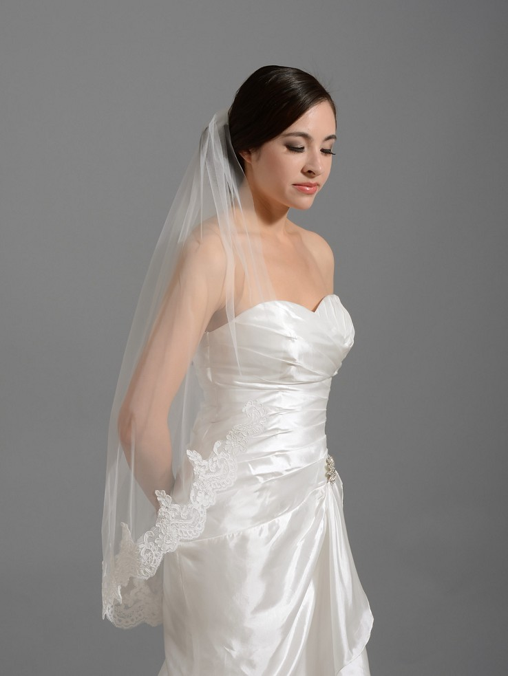 Elbow / fingertip alencon lace wedding veil V035